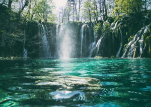 Meditatie helende waterval