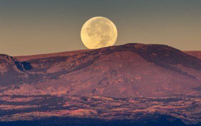 Volle maan ritueel om te creëren wat jij werkelijk wilt
