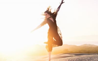 Voel je gelukkig en energiek door een dansmeditatie