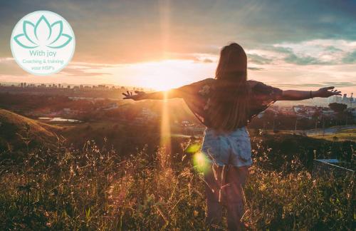 Geleide HSP meditatie: jezelf versterken zodat er minder bij je binnen komt