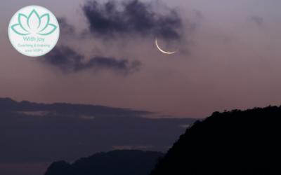 Nieuwe maanmeditatie: laat los wat niet bij je past en creëer een nieuw begin